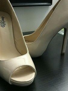Beige prep toe heels!!!!